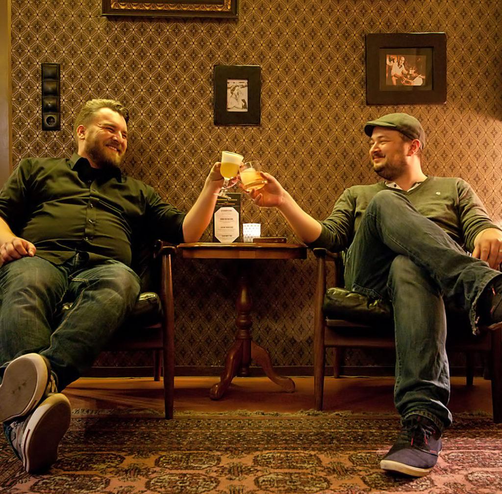 Johann und Thomas - zusammen sind sie Cocktailbart.de