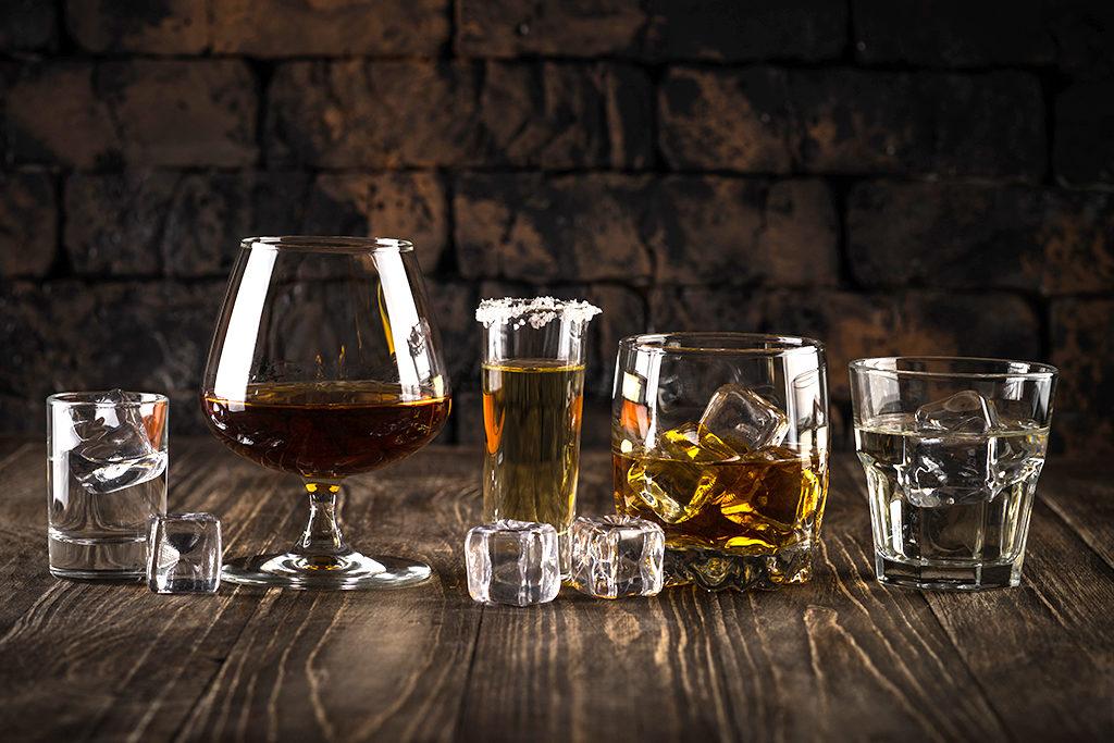 Blanco, Reposado, oder extra lang gereifte dunkle Añejo Tequilas - Es gibt unterschiedliche Gläser für all diese Varianten.
