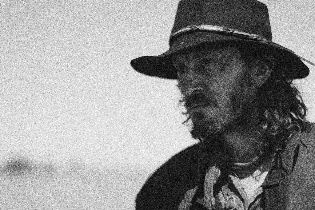 Der Cowboy hatte zwar kein Geld  aber wohl einen geladenen Revolver dabei.