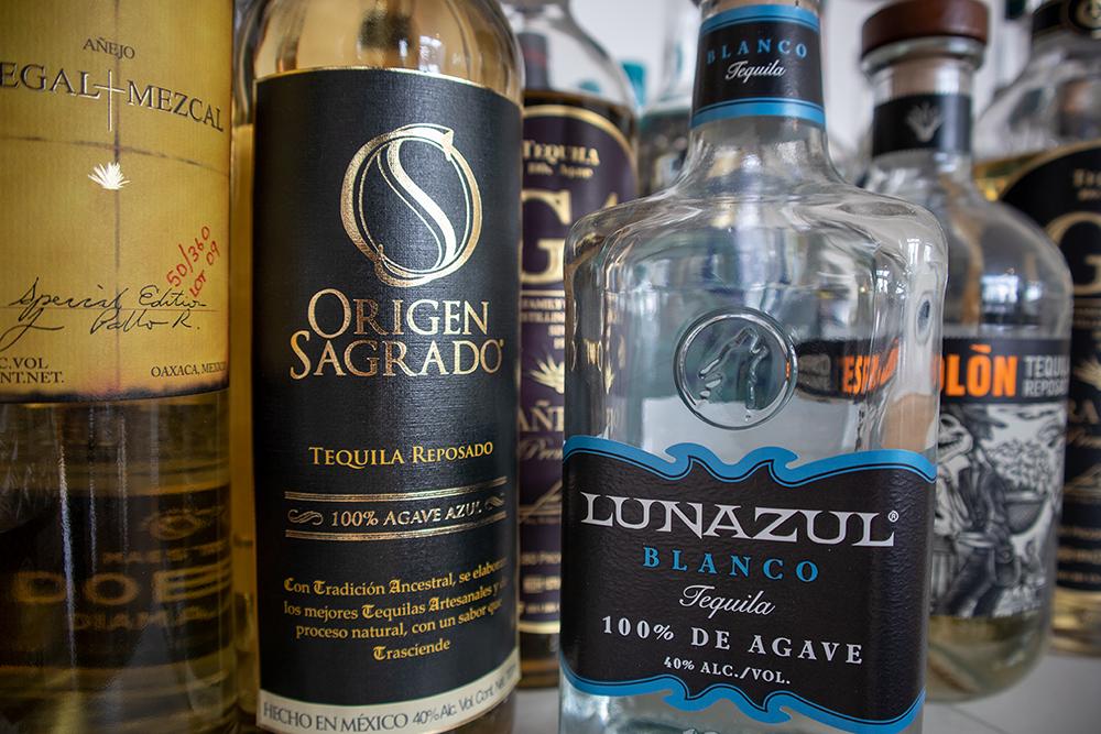 100% DE AGAVE. Bitte beim Kauf drauf achten! Premium-Tequila ist immer 100% de Agave!